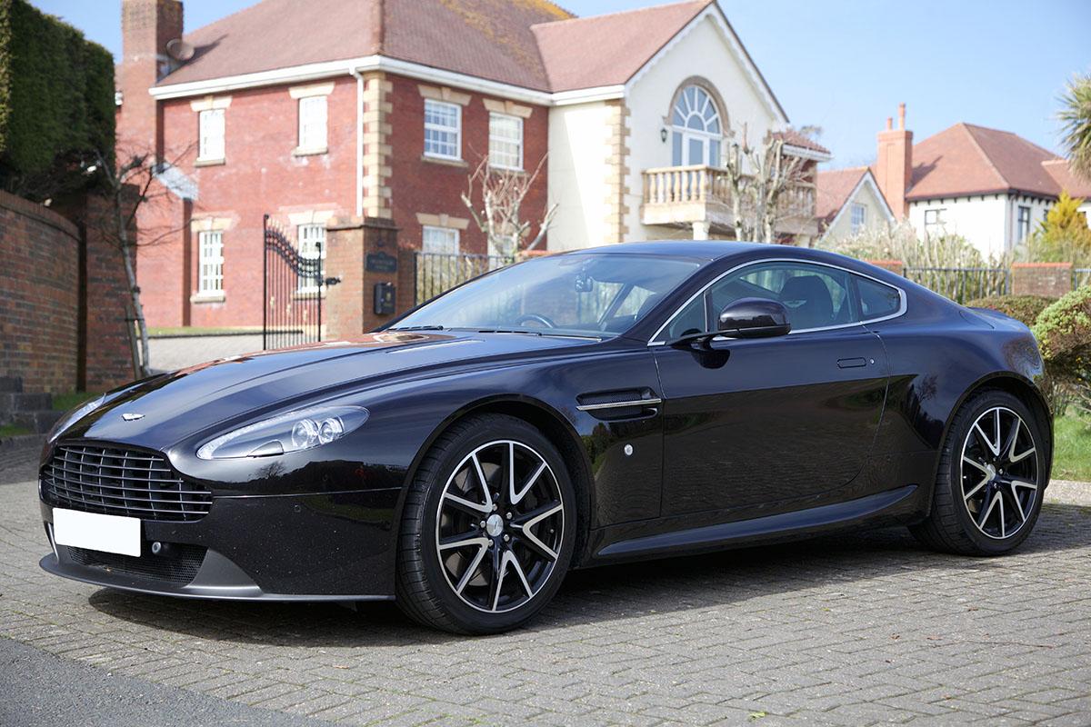 2013 Aston Martin Vantage 4.7 V8 – Best Cars